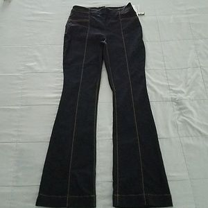 NWTS INC ZIPPERED BACK JEANS SIZE 4